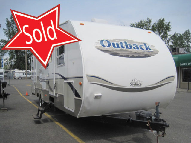 COT312 2005 Outback 31RQS Travel Trailer