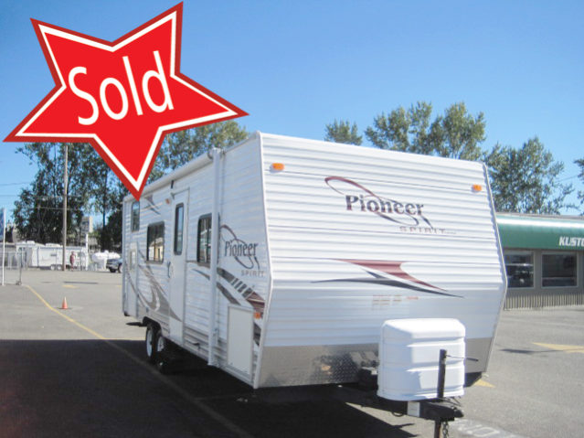 CPT241 2009 Pioneer 24BH Travel Trailer
