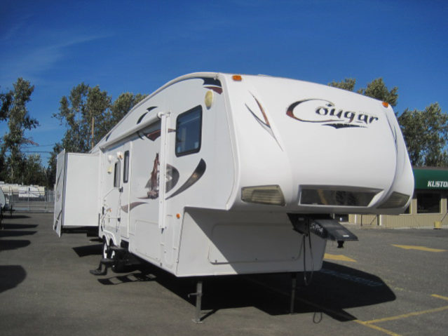 CCW2931 2010 Cougar 293 Fifth Wheel